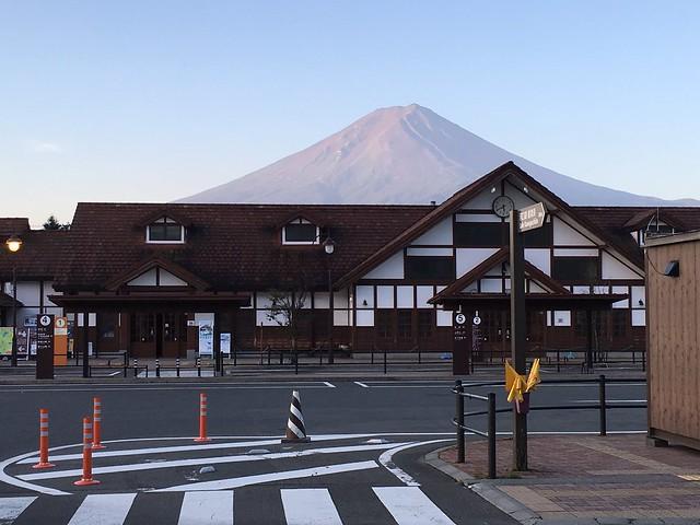 один день русского инженера вблизи горы Фудзияма, Япония